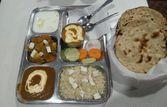 Delhi Special Pranthe Wali Gali | EazyDiner