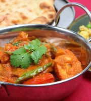 Laziz Fast Food & Laziz Khana,Sarita Vihar, South Delhi