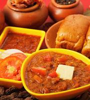 Radha Krishna Pav Bhaji & Fast Food,Juhu, Western Suburbs
