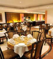 Tamarind Restaurant & Poolside,Fariyas Hotel Mumbai, Mumbai