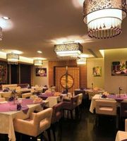 Tal Al Amar,Emirates Grand Hotel, Dubai
