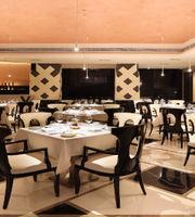 White Charcoal,The Empresa Hotel
