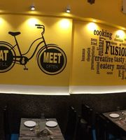Eat & Meet,Kandivali West, Western Suburbs