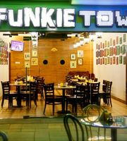 Cafe Funkie Town	,Bay Avenue, Business Bay
