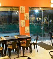 Cafe Walkie Talkie,Ashok Vihar Phase 3, North Delhi