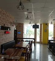 Rominus Pizza And Burger,Elements Mall, Chitrakoot