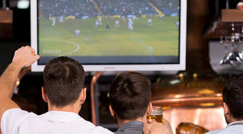 Restaurants with Live Sports Screening