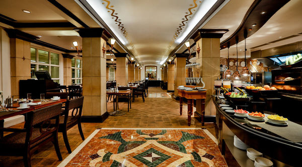 Book a table at Cappuccino , Crowne Plaza Chennai Adyar Park