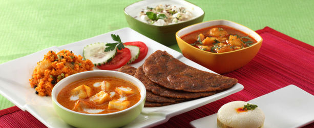 Top 7 Places For A Navratri Feast Even At Odd Hours