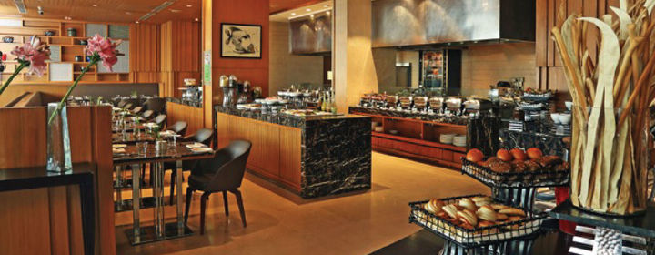 Tremendous Cafe On 3 Holiday Inn Mayur Vihar Phase 1 Download Free Architecture Designs Rallybritishbridgeorg