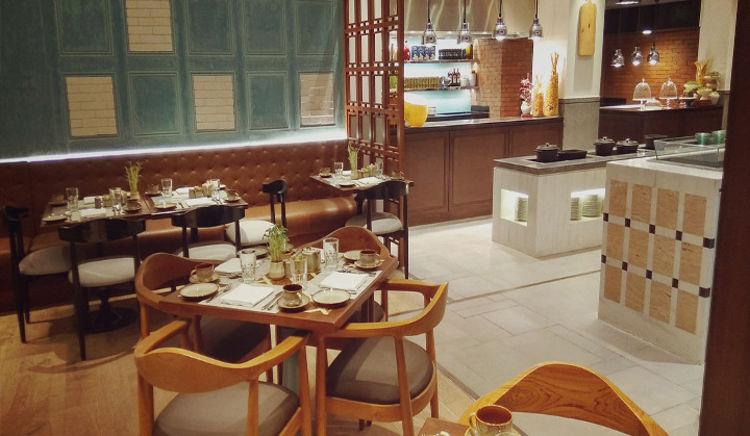 Sala da pranzo taj exotica goa goa restaurant menu and for Mobile basso sala da pranzo